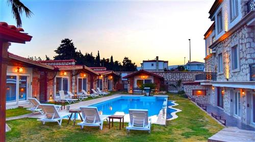 /Upload/images/isletmeler/alacati-wood-town-hotel_pool-room_412020181132638thumbnail.jpg